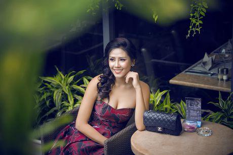 Nguyen Loan khoe ve sexy truoc ngay sang My thi hoa hau - Anh 7