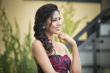 Nguyen Loan khoe ve sexy truoc ngay sang My thi hoa hau - Anh 9