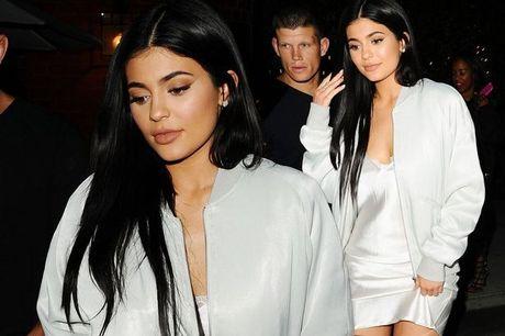 Nhung lan gia dinh Kim Kardashian song trong so hai - Anh 8