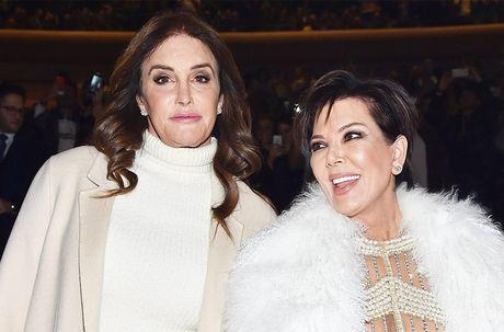 Nhung lan gia dinh Kim Kardashian song trong so hai - Anh 9