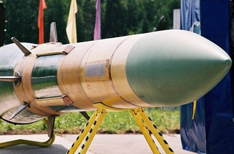 Khiep so ten lua S-300 Nga trien khai toi Syria - Anh 12
