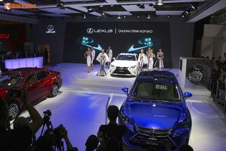 Gian hang 'xe sang' cua Lexus Viet Nam tai VMS 2016 - Anh 1