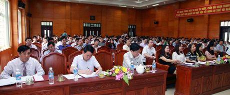 Ha Tinh: Tuyen duong hon 190 doanh nghiep, doanh nhan nop thue tot - Anh 1