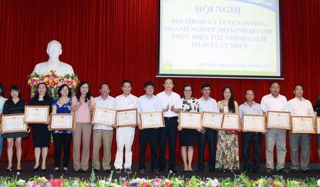 Ha Tinh: Tuyen duong hon 190 doanh nghiep, doanh nhan nop thue tot - Anh 3
