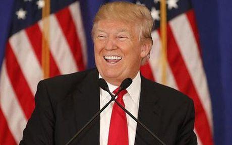 Bi to tron thue, Donald Trump van duoc benh vuc! - Anh 1