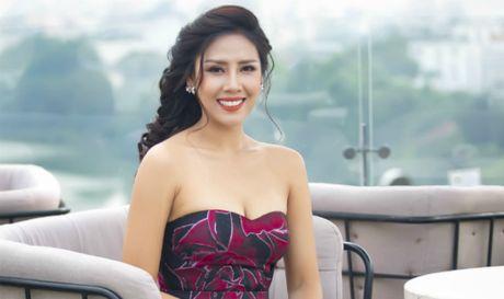 Nguyen Thi Loan 'goi cam chet nguoi' truoc khi thi Miss Grand International - Anh 1
