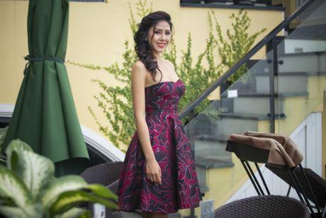 Nguyen Thi Loan 'goi cam chet nguoi' truoc khi thi Miss Grand International - Anh 4