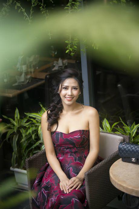 Nguyen Thi Loan 'goi cam chet nguoi' truoc khi thi Miss Grand International - Anh 5