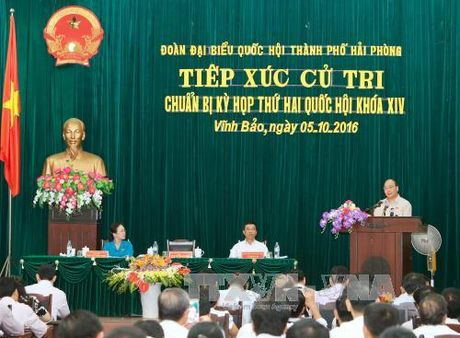 Thu tuong tiep xuc cu tri huyen Vinh Bao, Hai Phong - Anh 1