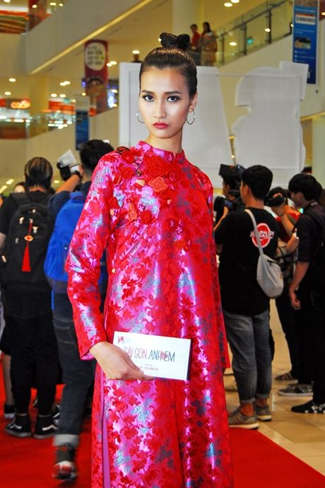 Dan top model do ve duyen dang voi ao dai - Anh 6