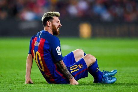 Messi bi 'nguoi nha' che khong biet luong suc minh - Anh 1