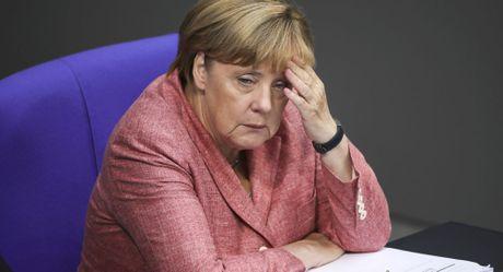 """Bao Duc: Thu tuong Merkel tu tay day nuoc Duc vao the """"hoan toan co lap"""" - Anh 1"""