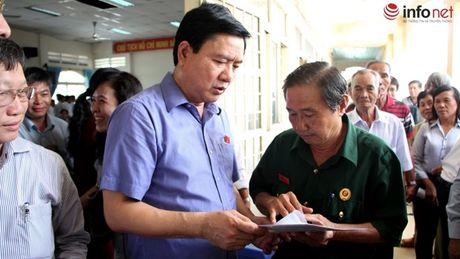 Bi thu Dinh La Thang tra loi cu tri ve vu viec Trinh Xuan Thanh - Anh 1
