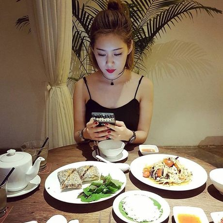 Ban gai moi Tien Dat so huu do hieu hang ty dong - Anh 12