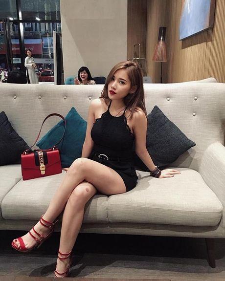Ban gai moi Tien Dat so huu do hieu hang ty dong - Anh 2
