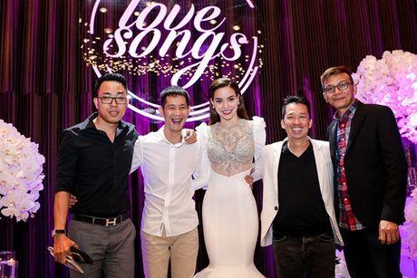 Ho Ngoc Ha lien tuc treu choc dan chi Thanh Ha - Anh 16