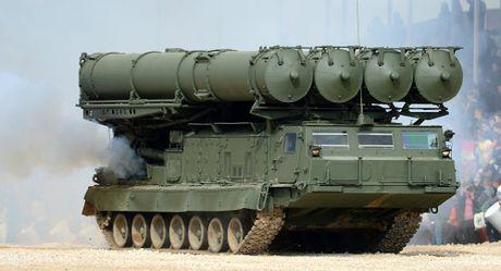 My boi roi khi Nga dua 'rong lua' S-300 toi Syria - Anh 1