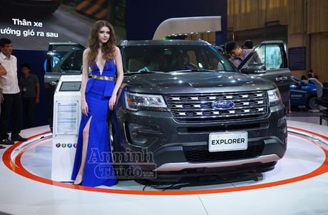 Ford Explorer 2017 trinh lang thi truong Viet Nam, gia 2,18 ty dong - Anh 2