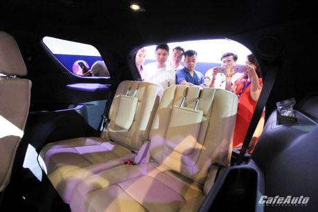 Ford Explorer 2017 ra mat khach hang Viet, gia tu 2,18 ty dong - Anh 8