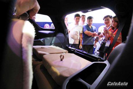 Ford Explorer 2017 ra mat khach hang Viet, gia tu 2,18 ty dong - Anh 9