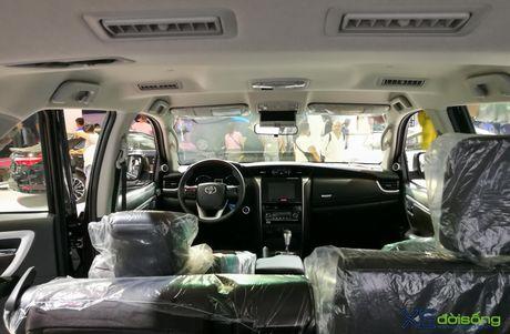 Chi tiet Toyota Fortuner moi chinh hang dau tien tai Viet Nam - Anh 11
