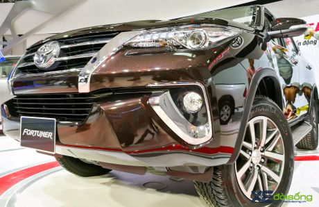 Chi tiet Toyota Fortuner moi chinh hang dau tien tai Viet Nam - Anh 3