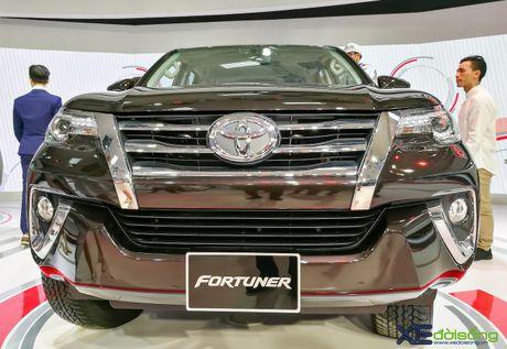 Chi tiet Toyota Fortuner moi chinh hang dau tien tai Viet Nam - Anh 6