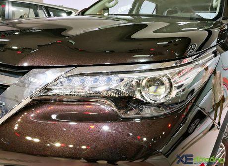 Chi tiet Toyota Fortuner moi chinh hang dau tien tai Viet Nam - Anh 7