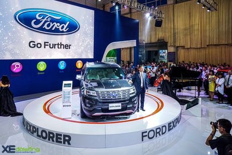 Ford Explorer trinh lang voi gia gan 2,2 ty dong - Anh 1