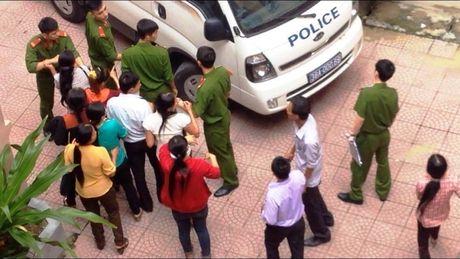 Vu nao loan chon phap dinh: Cuoi con duong van con anh sang - Anh 4