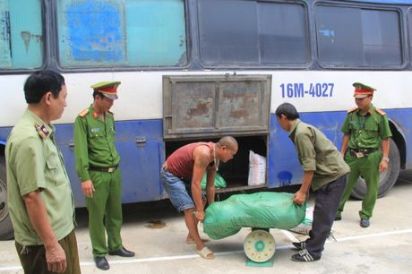 500kg thuc pham hoi thoi suyt duoc tieu thu o Thanh Hoa - Anh 1