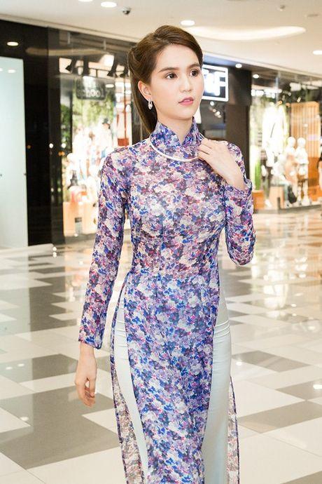 Ngoc Trinh cung dan my nhan Viet hoa than thanh quy co Sai Gon xua - Anh 3