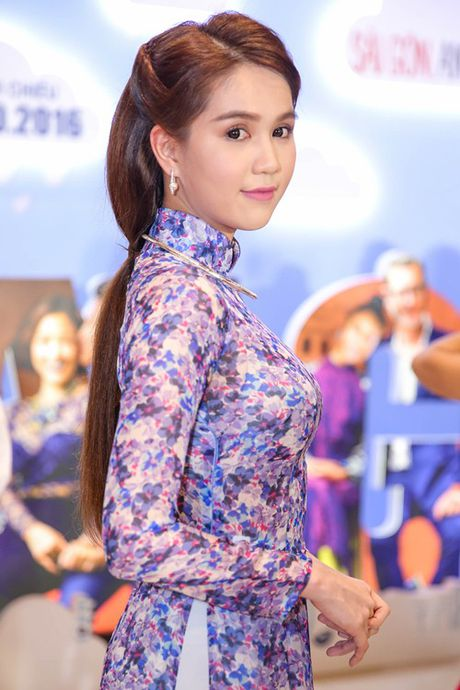 Ngoc Trinh cung dan my nhan Viet hoa than thanh quy co Sai Gon xua - Anh 4