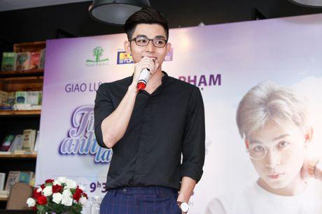 Cay but tre Jun Pham: Dung doi hoi gioi tre doc nhung gi dao to bua lon - Anh 2