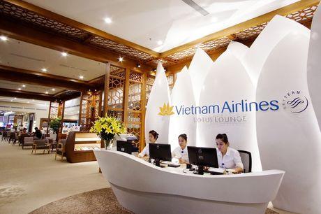 Vietnam Airlines khai truong phong khach Bong sen tai Noi Bai - Anh 1