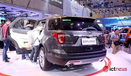 Ford Explorer 2017: Nhap nguyen chiec tu My, gia 2,18 ty dong - Anh 7