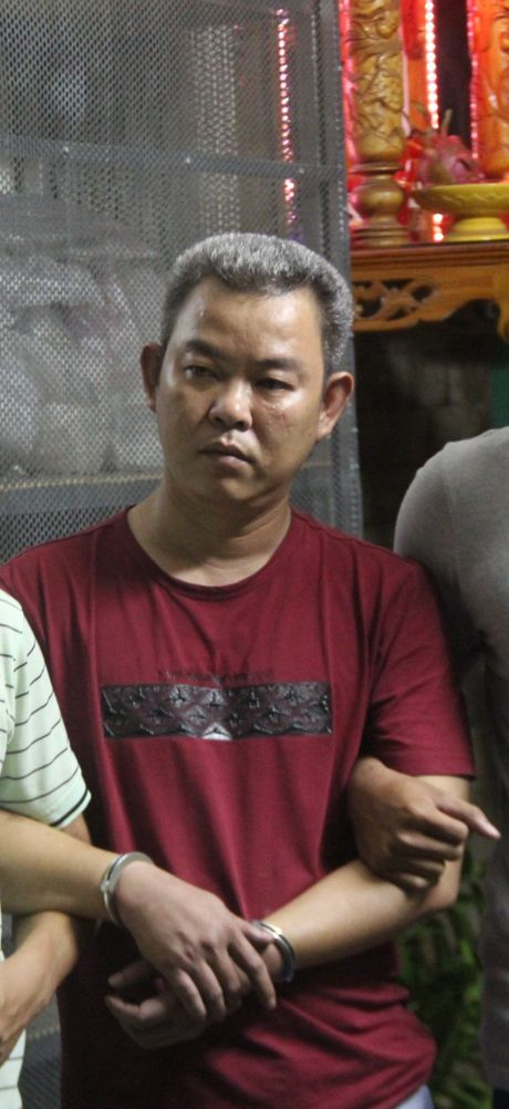 Mang o to thue di cam roi 'om' tien bo tron - Anh 2