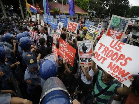 Chinh sach Duterte xoi mon anh huong cua My o bien Dong - Anh 1