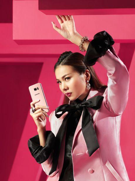 Thanh Hang bien hoa voi sac hong - Anh 5