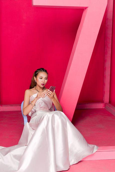Thanh Hang bien hoa voi sac hong - Anh 7