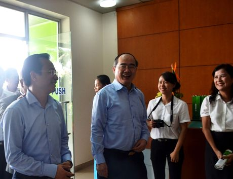 Chu tich Uy ban Trung uong MTTQ Viet Nam: Da Nang khong co Anh hung lao dong la mot thieu sot - Anh 1