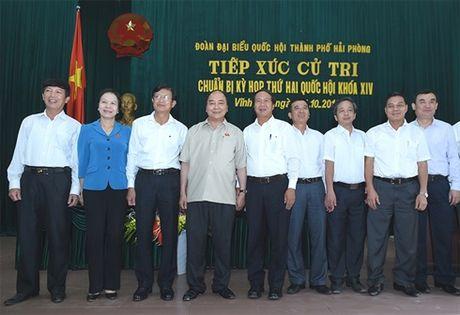 Thu tuong Nguyen Xuan Phuc tiep xuc cu tri huyen Vinh Bao, TP. Hai Phong - Anh 1