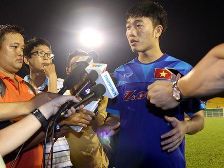 Cong Phuong, Tuan Anh, Xuan Truong ngoi du bi tran gap Trieu Tien - Anh 1