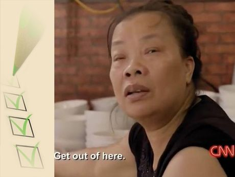 Bun chui Ha Noi: Nha bao Truong Anh Ngoc phai giai thich cho nguoi nuoc ngoai - Anh 2