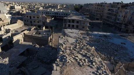 Syria: Khong kich tai Aleppo khien hang chuc nguoi thiet mang - Anh 1