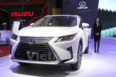 Bon 'ngoi sao' Lexus toa sang khong gian Vietnam Motor Show 2016 - Anh 3
