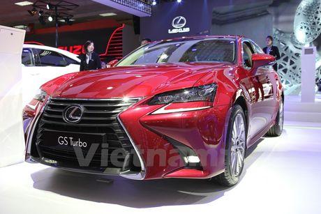 Bon 'ngoi sao' Lexus toa sang khong gian Vietnam Motor Show 2016 - Anh 4