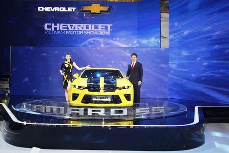 Can canh 'Ngoi sao Hollywood' Chevrolet Camaro SS 2016 tai VMS - Anh 1