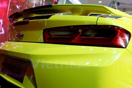 Can canh 'Ngoi sao Hollywood' Chevrolet Camaro SS 2016 tai VMS - Anh 4