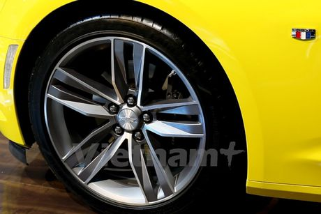 Can canh 'Ngoi sao Hollywood' Chevrolet Camaro SS 2016 tai VMS - Anh 6